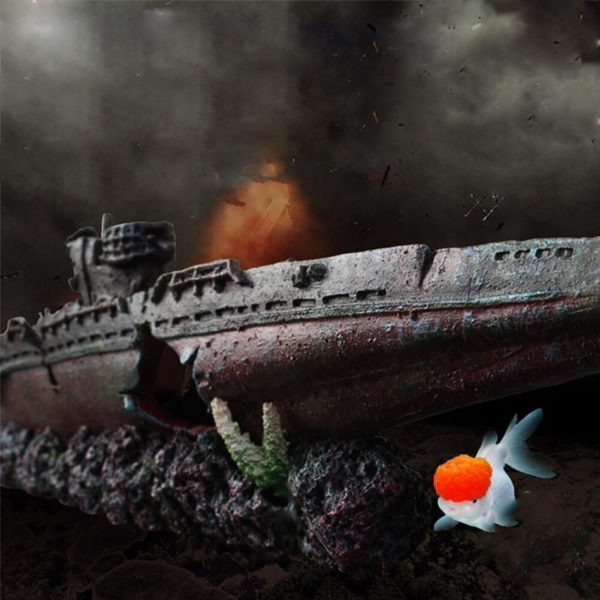 Carcasse de bateau de guerre d'aquarium