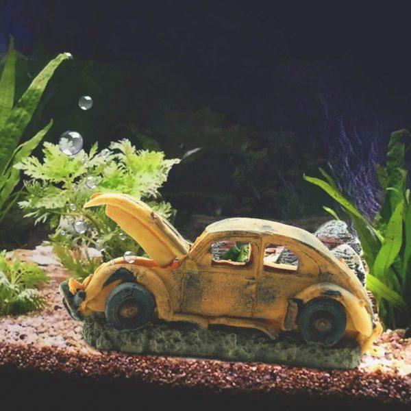 Carcasse de voiture Vintage d'aquarium