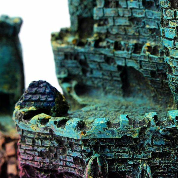 Château géant surélevé pour poissons décorations