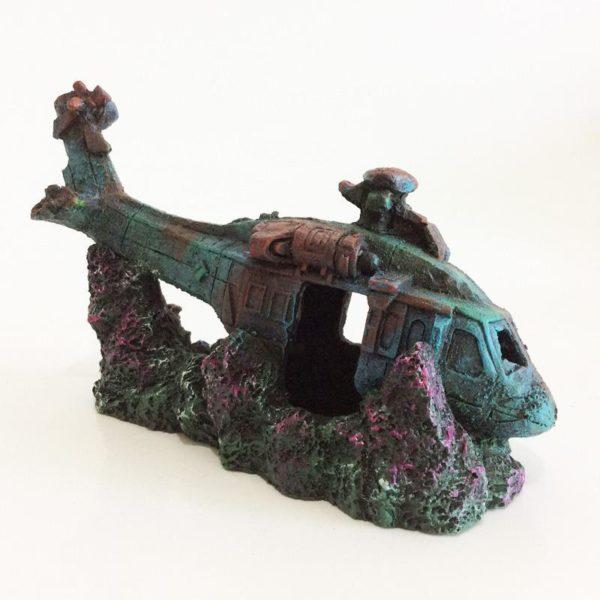 Hélicoptère de combat échoué aquarium