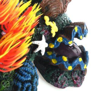 Montagne avec des coraux décorations