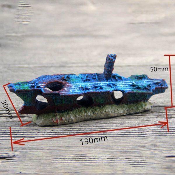 Petit bateau porte-avion échoué déco