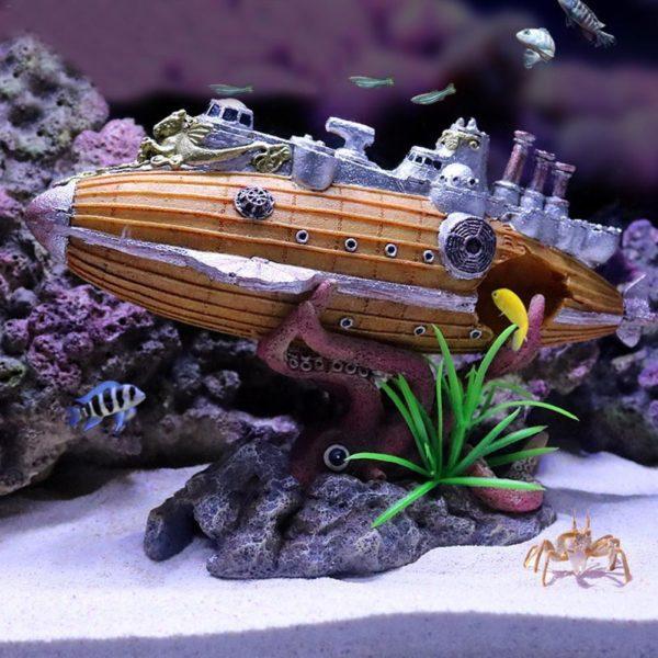 Sous-marin avec pieuvre aquarium
